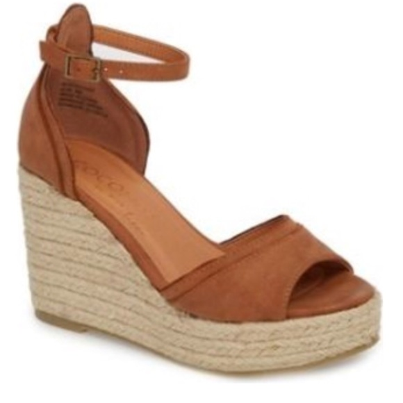 b4606181a Coconuts by Matisse Bon Voyage Wedge Sandals. M 5b2577bdc61777ae05862d58